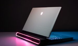 Dell Alienware Area 51m Laptop